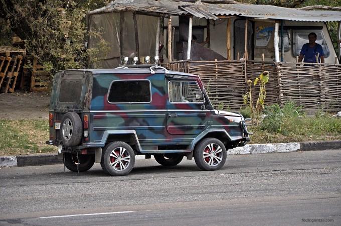 Український камуфляжний джип